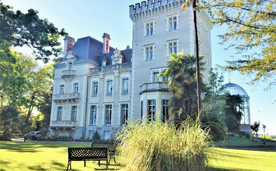 Sold Furnished : Substantial Chateau with Elevated Situation, set in 6.7 Hectares