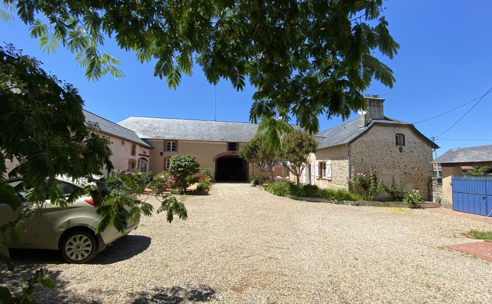French property for sale - FCH864