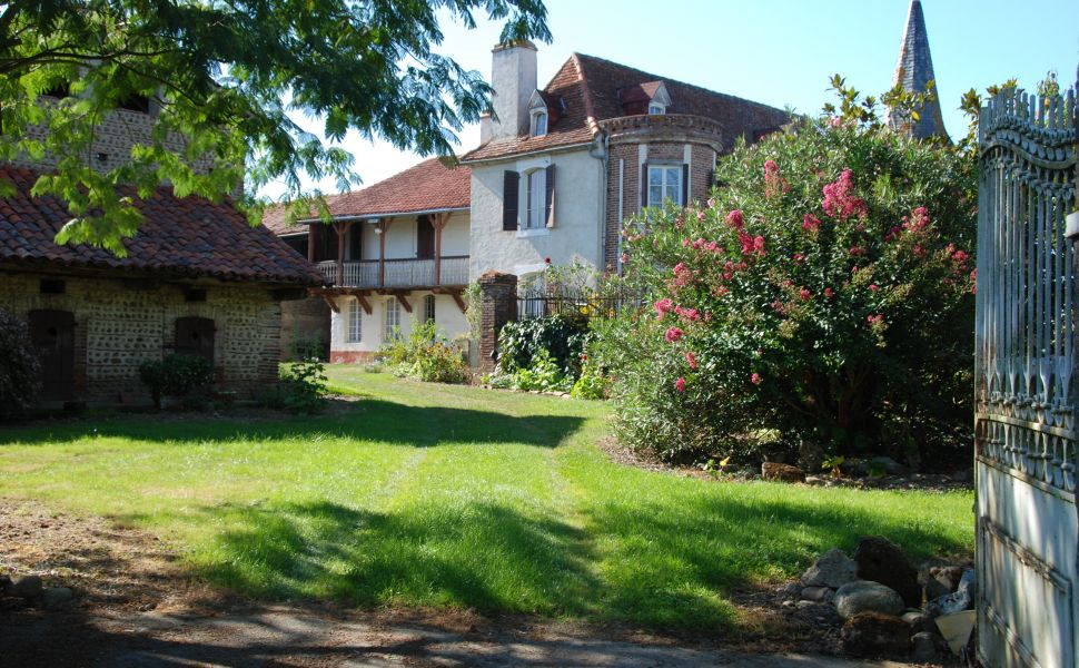 French property for sale - FCH738