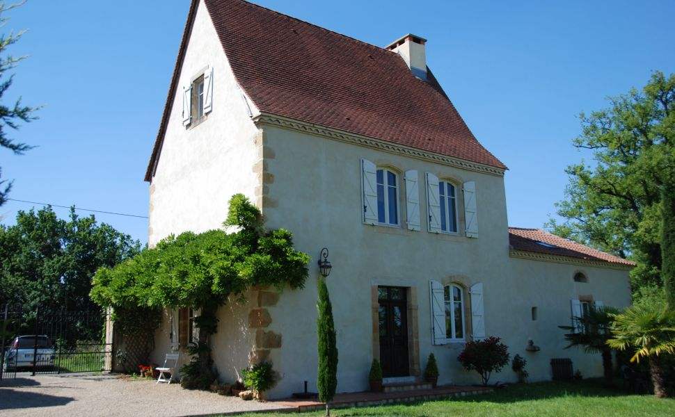 French property for sale - FCH656