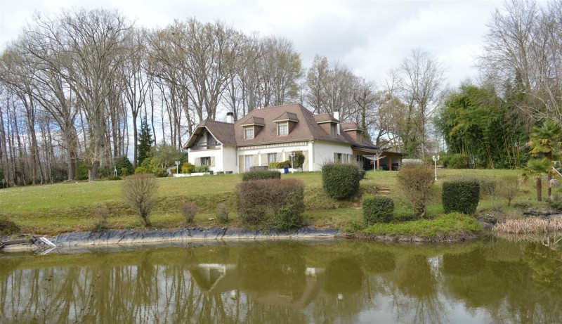 French property for sale - FCH815