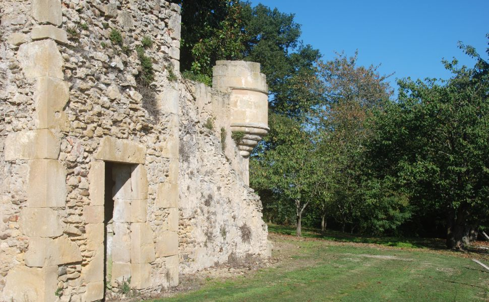 A 17C Residence with Remains of its Original Watch Tower & Ramparts.