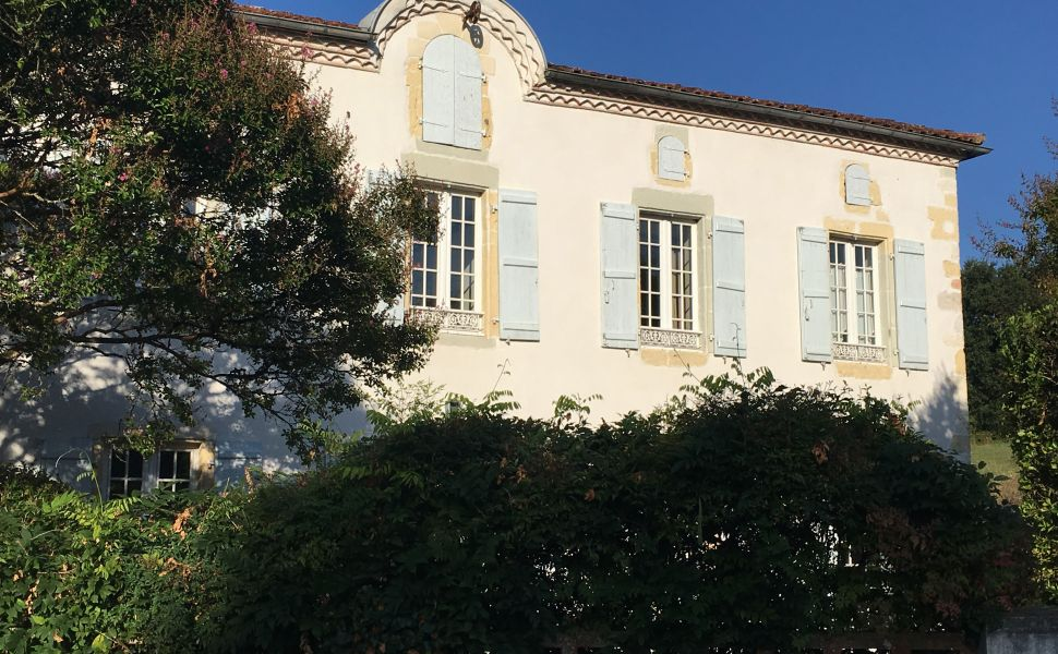 French property for sale - FCH835