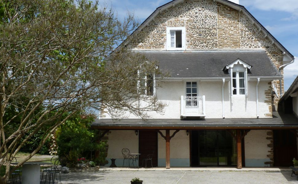 French property for sale - FCH576