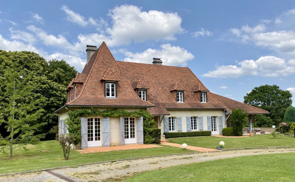 French property for sale - FCH860