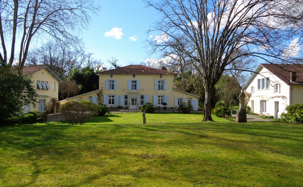 French property for sale - FCH608