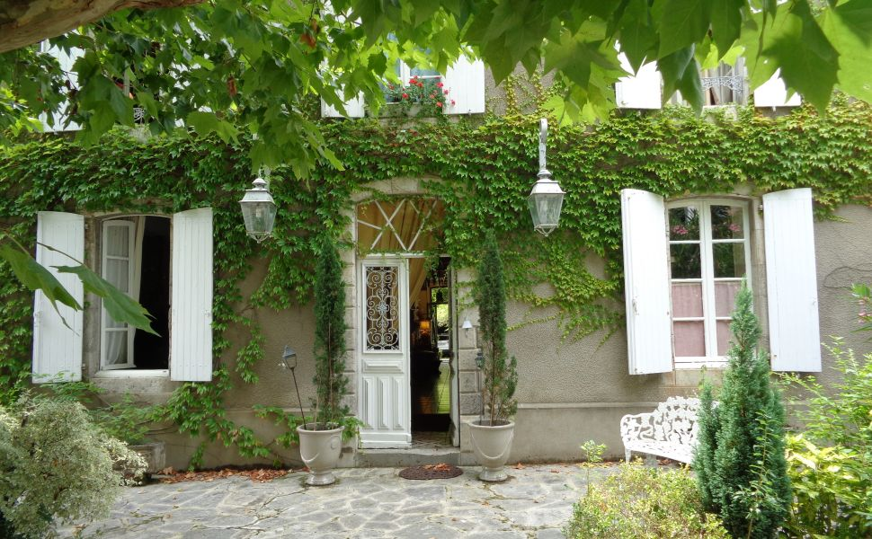 French property for sale - FCH649