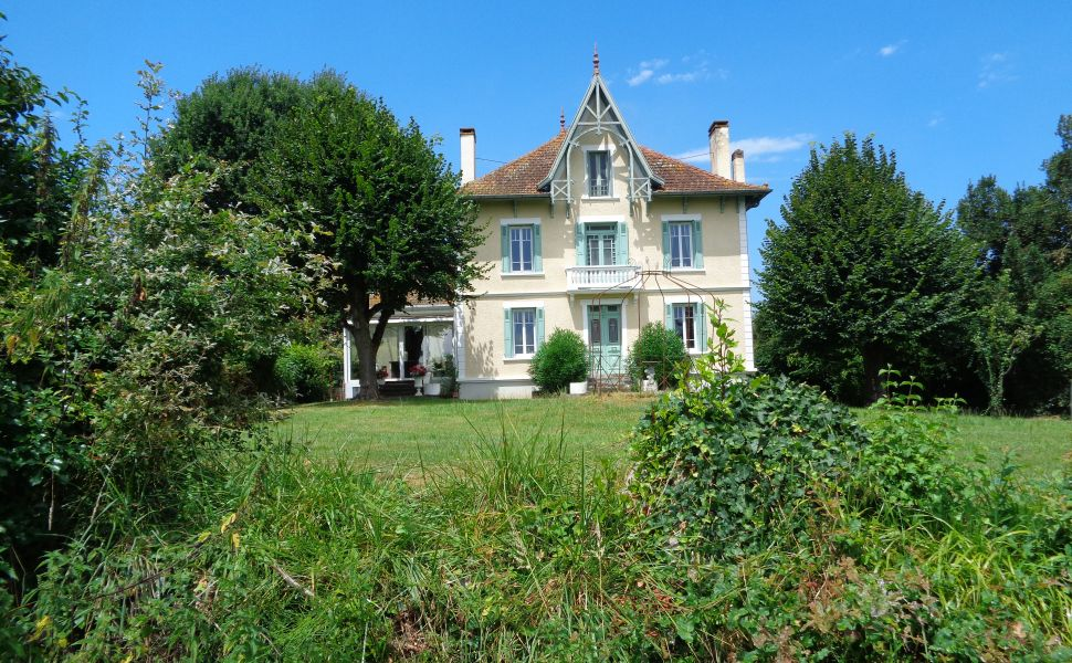 French property for sale - FCH650