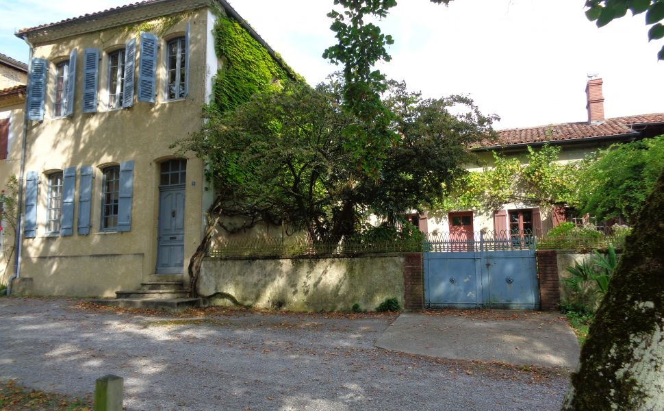 French property for sale - FCH657