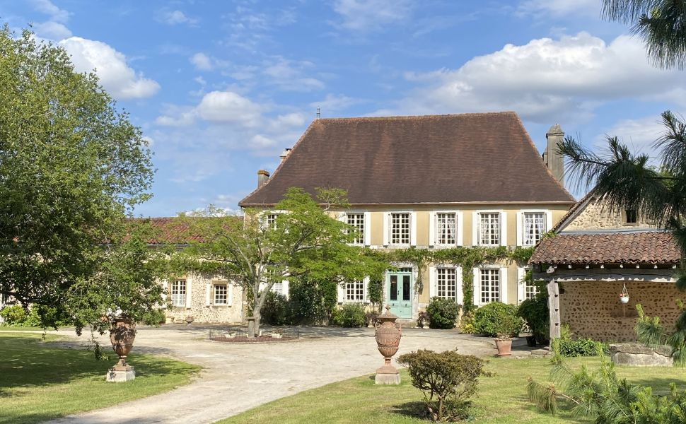 French property for sale - FCH849