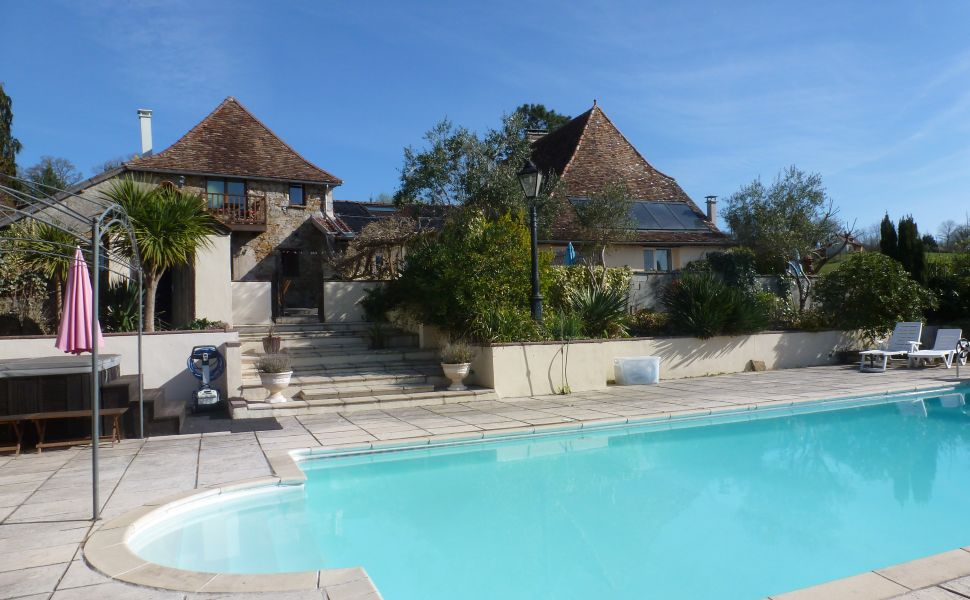 French property for sale - FCH690