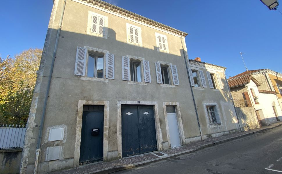 French property for sale - FCH814