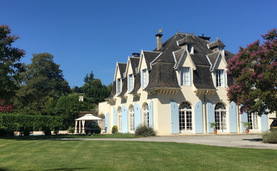 A Magnificent Chateau set in Private Grounds with River Access