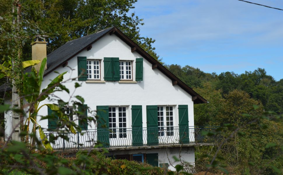Oloron Sainte Marie, 40 Minutes From Ski Stations