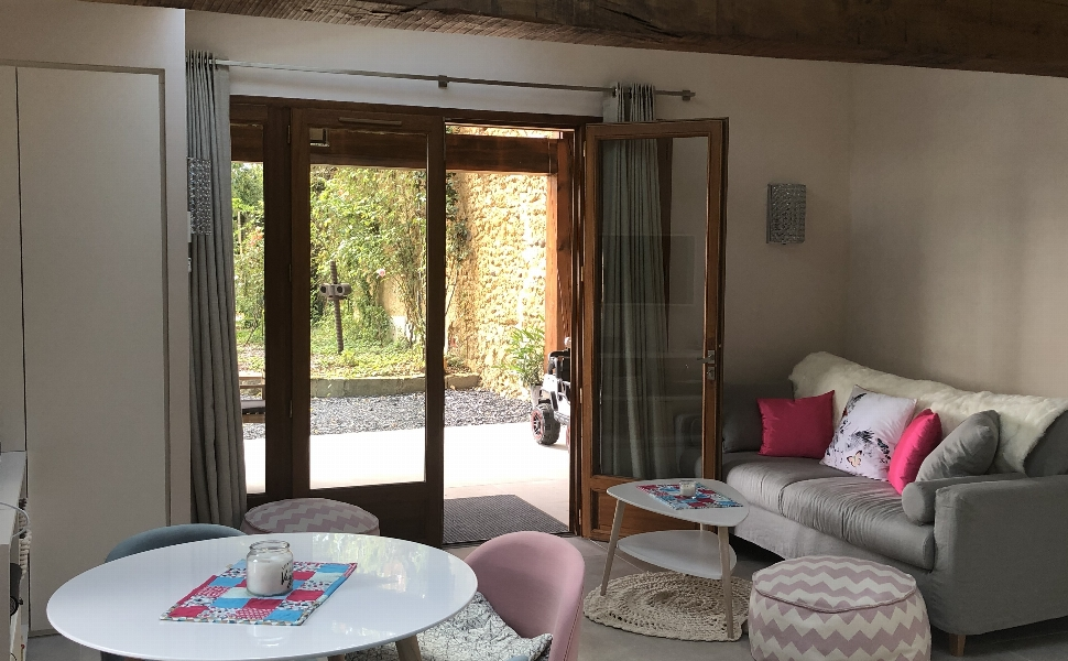 A Delightful & Recently Renovated Maison de Maître with Guest Cottage,Mountain Views & 2 HA