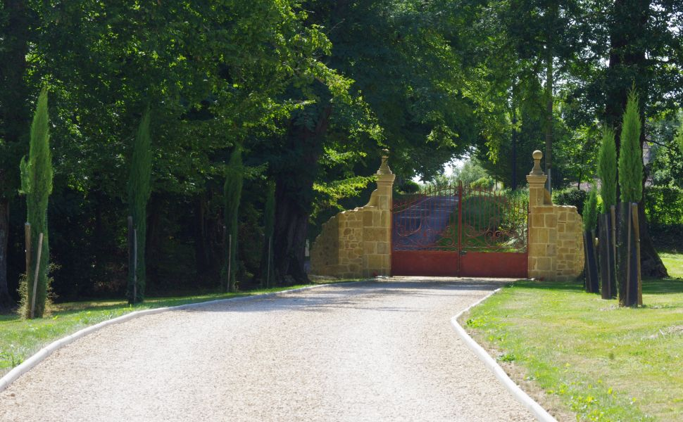 A Stylish Country Residence on a Privileged Site of 6.5HA with Far Reaching Views