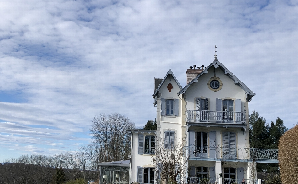 Pau : 1hour from the Atlantic Coast & the Pyrenees Mountains