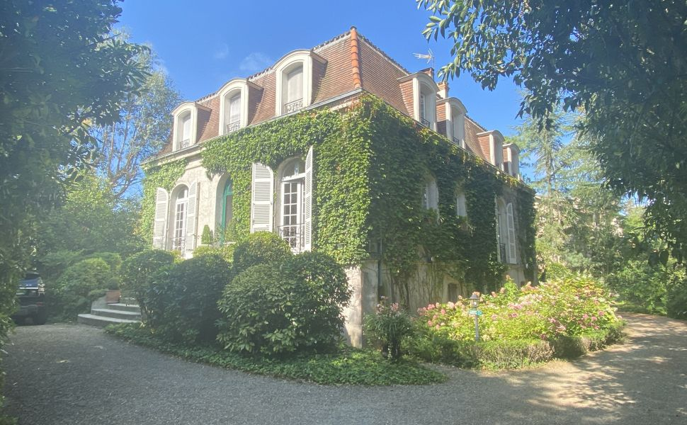 French property for sale - FCH760