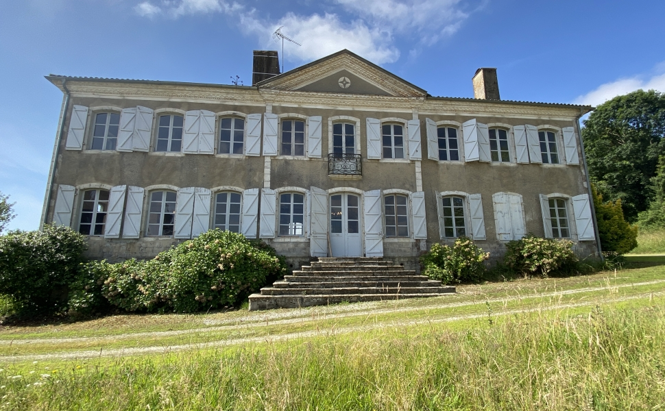 French property for sale - FCH770