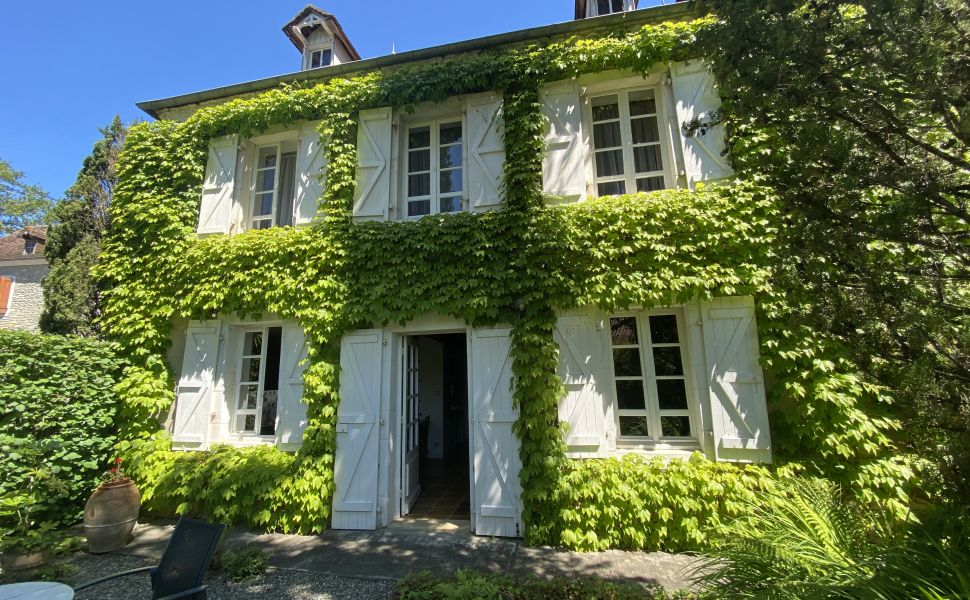 French property for sale - FCH785