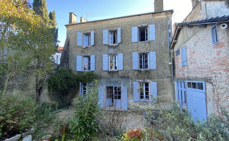 French property for sale - FCH810