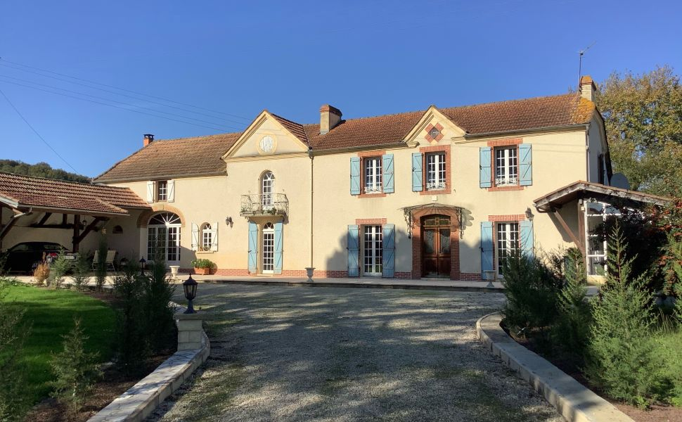 French property for sale - FCH809