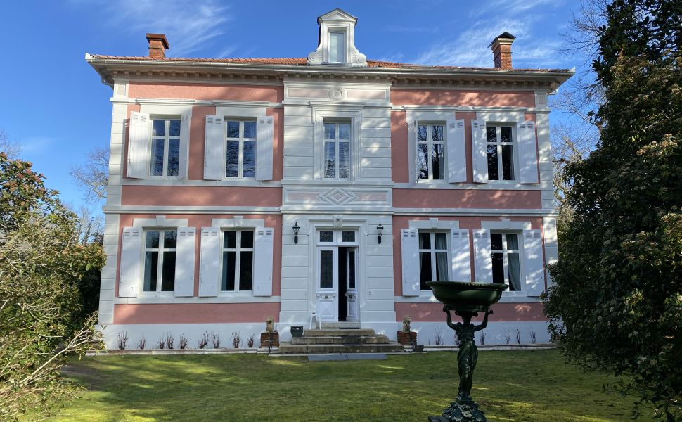 French property for sale - FCH820