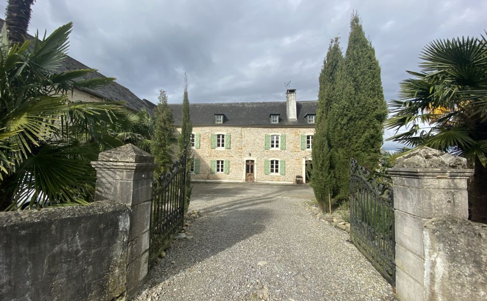 French property for sale - FCH827
