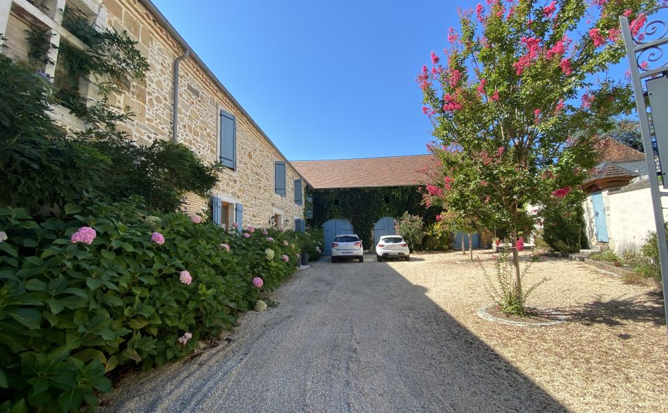 French property for sale - FCH829