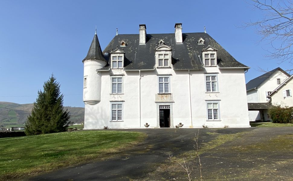 French property for sale - FCH832