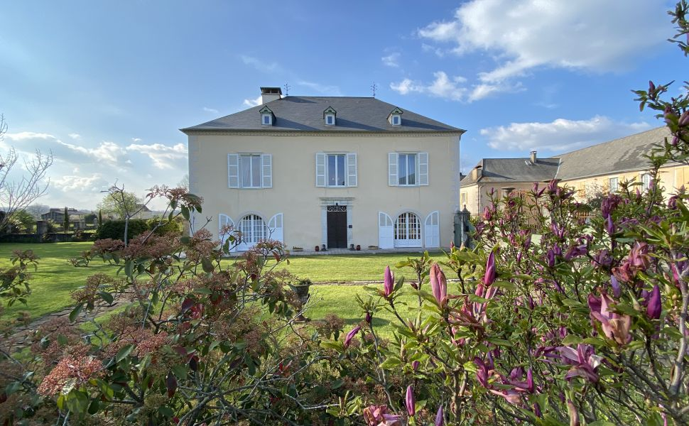 French property for sale - FCH836