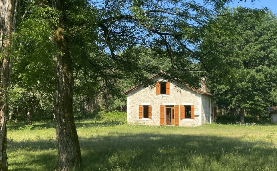 French property for sale - FCH846