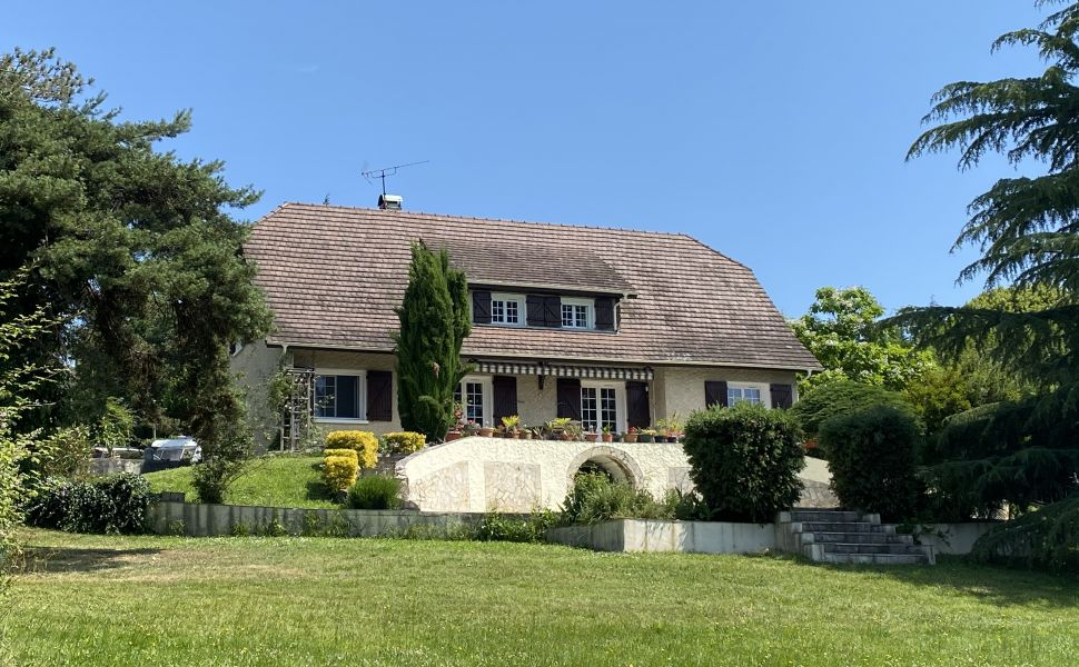 French property for sale - FCH859