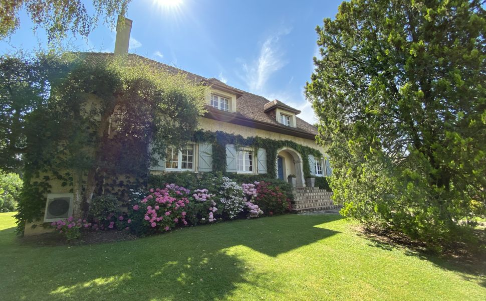 On the Edge of a Charming Landaise Market Town : 1hr Inland from the Atlantic Beaches