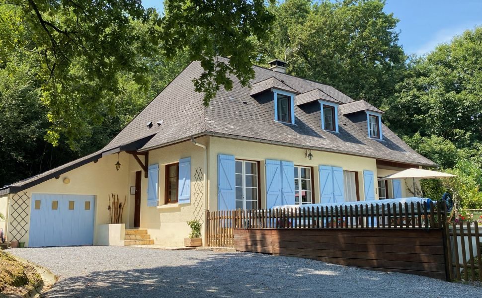 French property for sale - FCH867