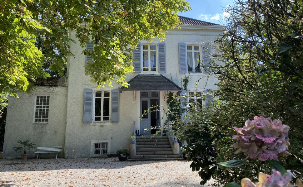 French property for sale - FCH876