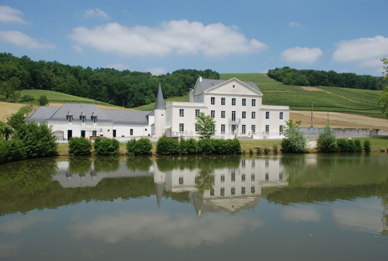 A Majestic Chateau, offering luxury living, with its own private lake; heated swimming pool; summer house with entertaining area and cinema; gymnasium with sauna; and irreproachably appointed kitchens and bathrooms.  Originally designed and built in 1811, the chateau offers 4 large reception rooms;