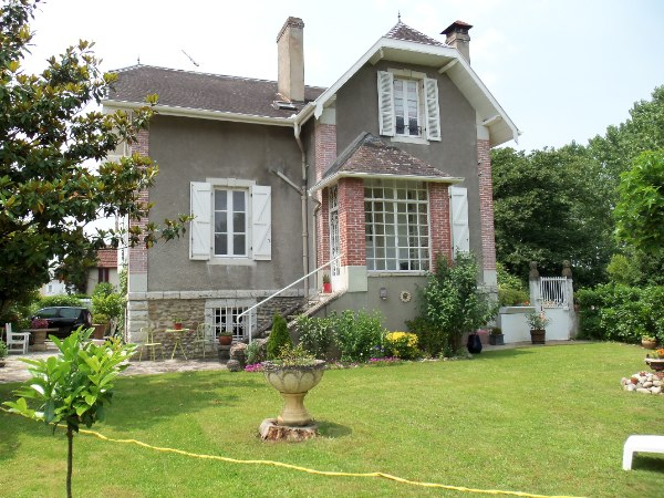 French property for sale - FCH295