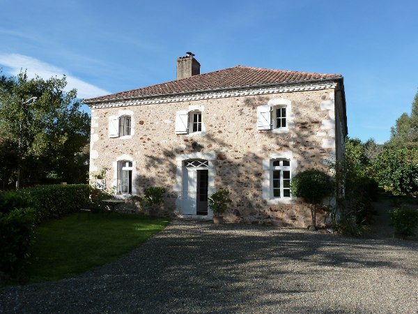 This authentic 18C Landaise Manor House, set in 1.2 hectares (3 acres) of beautifully landscaped grounds was once a successful Bed and Breakfast Hotel offering accomodation for tourists visiting the nearby spa town of Eugenie les Bains
