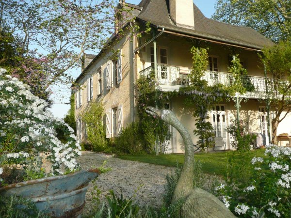 This immensely appealing, spacious 18th Century Maison de Ma�tre is currently operating as a highly successful Bed & Breakfast Hotel offering 5 en-suite guest rooms with  an independent guest cottage, just a few minutes from the popular 14th Century fortified town of Navarrenx, with all its restaura