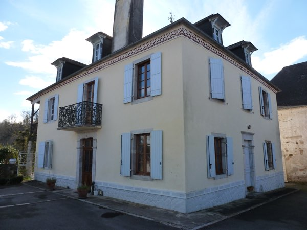 French property for sale - FCH598