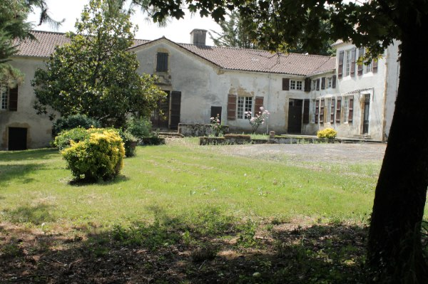 French property for sale - FCH404