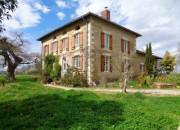 Maison de Maitre with Gite, Apartment, large period Barn and swimming pool with 1.8ha