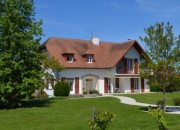 An Attractive Neo-Bernaise House with Views to the Pyrenees
