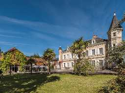 Superbe Château with Ancillary Buildings, Tennis Court & Pool set in aprrox 5.3 Hectares