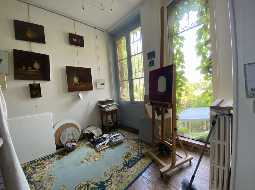 Sustainable living lifestyle in 18thC Chateau with home grown food and an income