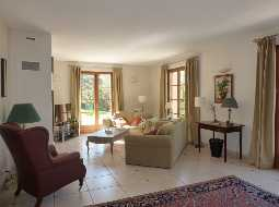 An Impeccable Maison de Maitre In Popular Thermal Spa Town