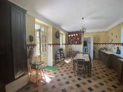 17th C Manor House in the Pays Basque with Royal History - 45 minutes to Coast