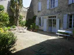 Authentic 'Hôtel Particulier' Townhouse in heart of historic town with pool & garden