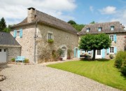 A Picturesque 18C Former Farmhouse with Pyrenean Views
